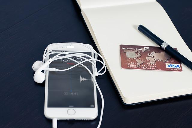 kreditka u mobilu.jpg